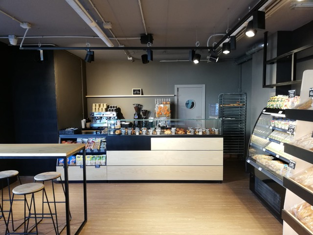 Dialprix abre un corner´s cafe en el Starco